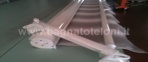 Tenda da sole a caduta con tessuto rigato in offerta