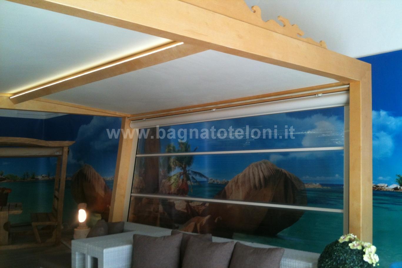 gazebo in legno con tende cristal laterali e tetto telonato 2